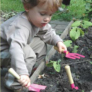 дети в огороде фото