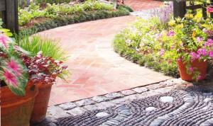Материалы для мощений в саду, фото
