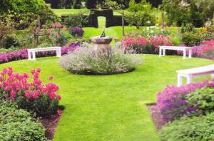 Типичный классический сад, фото